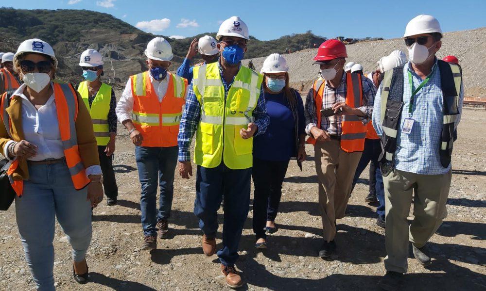 Supervisan avances de la presa de Monte Grande en Barahona