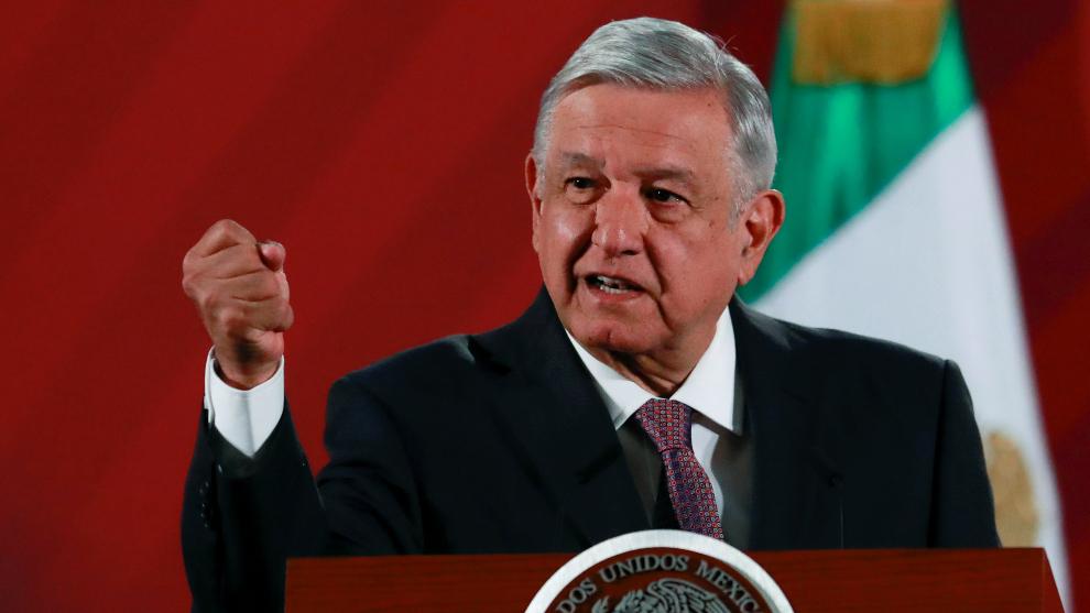 Presidente de México planta un árbol en honor a las victimas del covid-19