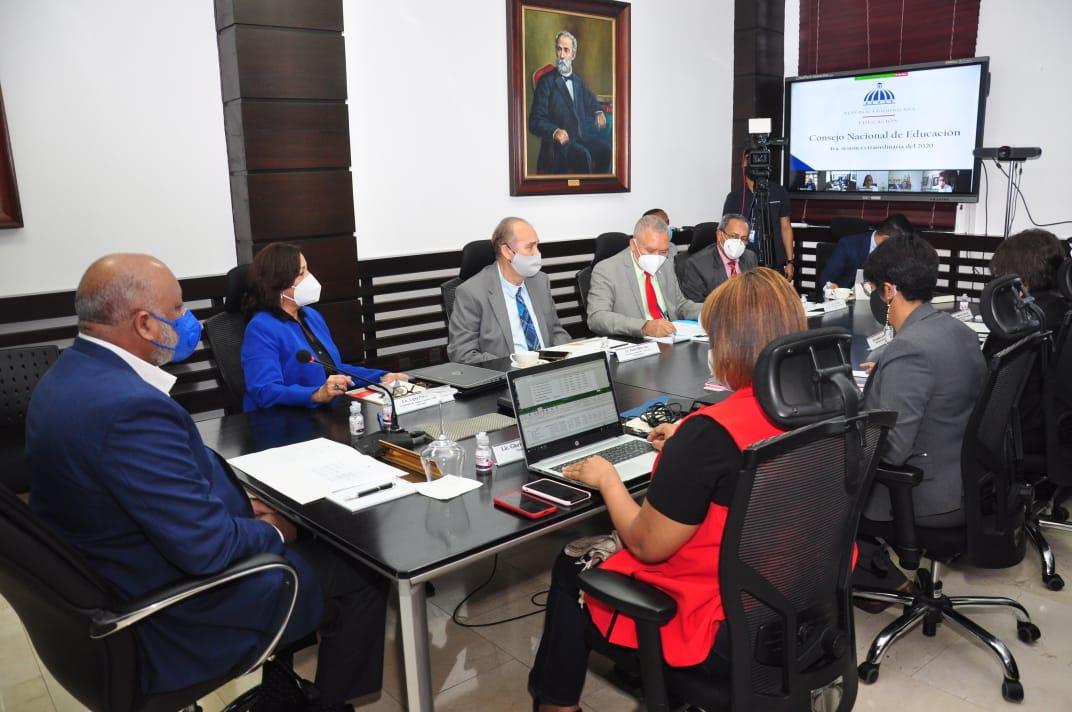 Consejo Nacional de Educación aprueba otorgar certificado de bachiller definitivo a estudiantes con asignaturas pendientes