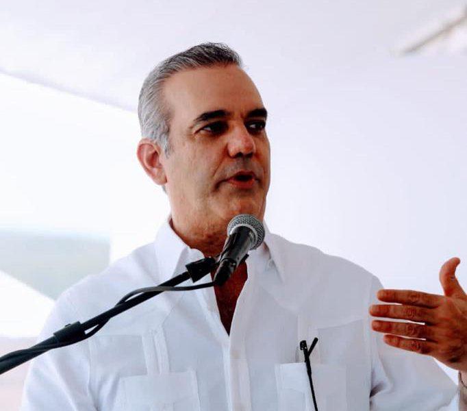 Abinader reafirma compromiso con el turismo seguro y cumplimiento protocolo de salud