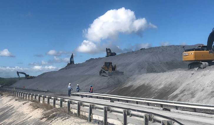 """Autoridades del sector eléctrico afirman gestión pasada entregó """"vertedero'' de cenizas en Punta Catalina"""