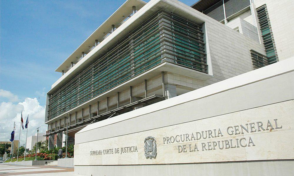 Fiscalía DN logra 10 años de prisión para tres hombres por lavado de activos