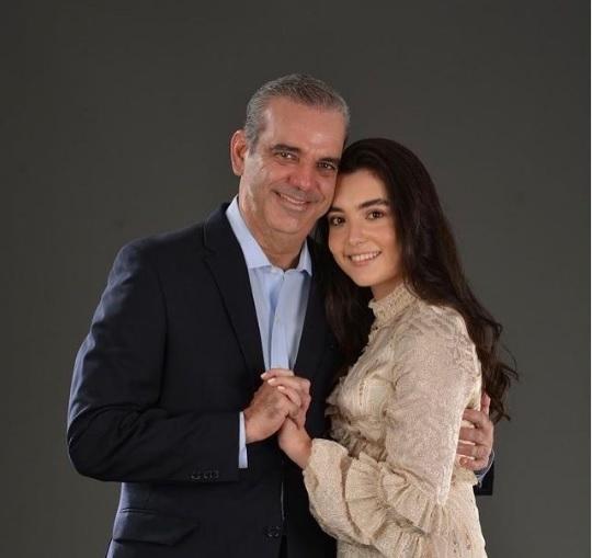 """Abinader felicita a su hija menor por su cumpleaños y da seguimiento a quienes le dicen """"suegro"""""""