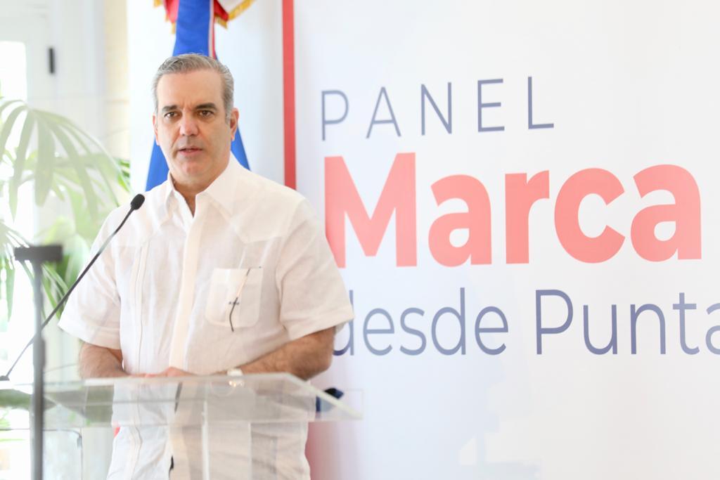 Presidente Abinader define esperanzadora la defensa del sector privado con Marca País