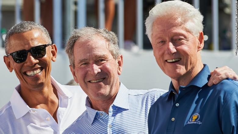 Obama, Bush y Clinton se ofrecen como voluntarios para vacunarse contra el covid-19 públicamente