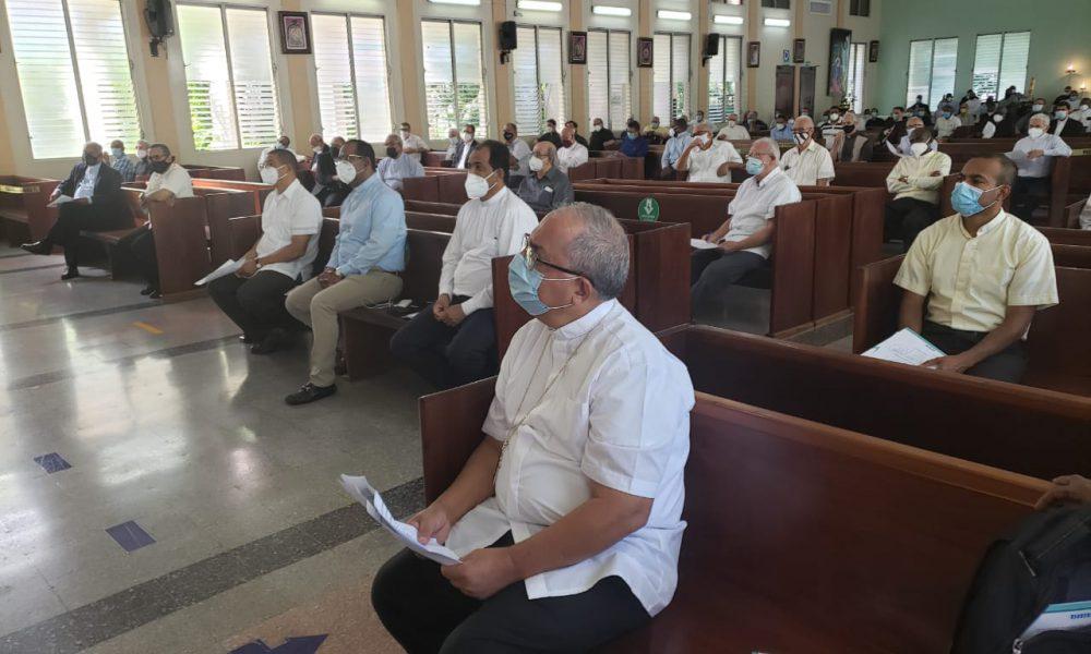 Arzobispo de SD pide al clero seguir orando por la recuperación del Cardenal López Rodríguez