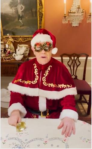 Elton John envía mensaje de Navidad y anuncia sus conciertos en septiembre de 2021