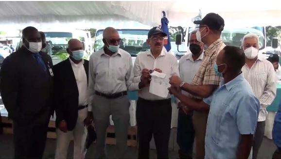 VIDEO | IAD entrega maquinaria agrícola a cooperativas y asociaciones agropecuarias