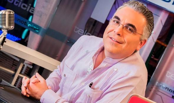 VIDEO | Observatorio de Medios Digitales premia a Roberto Cavada como mejor periodista en redes sociales