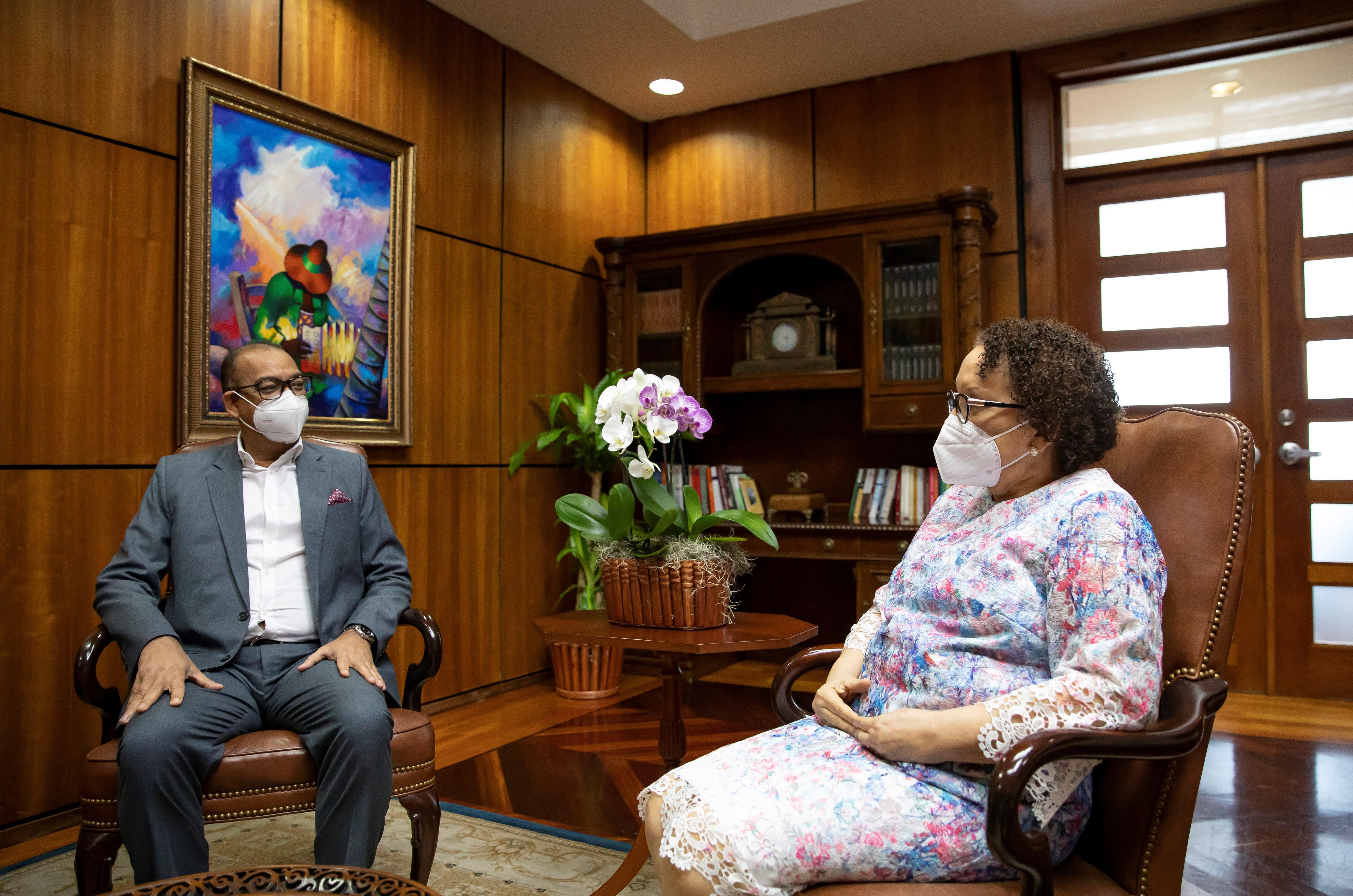 Procuradora Miriam Germán sostiene encuentro de trabajo con el ministro Deligne Ascención