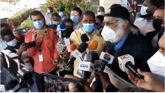 VIDEO | Hubieres deposita dos denuncias contra Gonzalo Castillo y hermana del exprocurador Jean Rodríguez