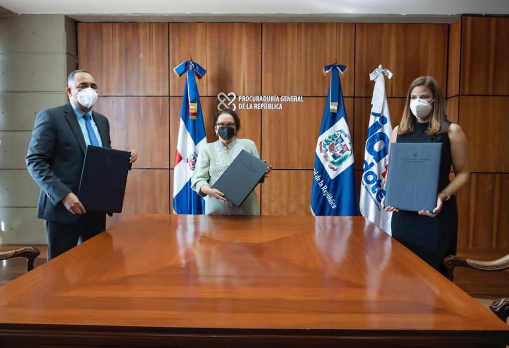Procuraduría e Indontel firman acuerdo para fortalecer sistema penitenciario