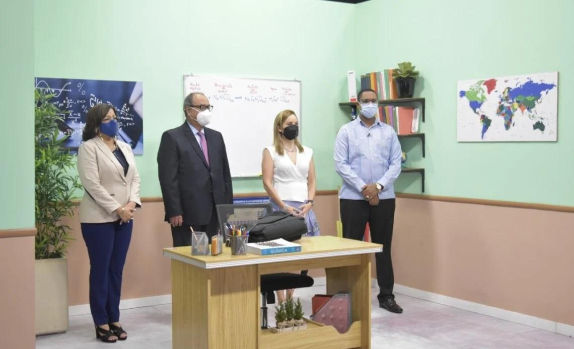 Representante de la OEI visitó estudios de grabación donde MINERD produce clases a distancia
