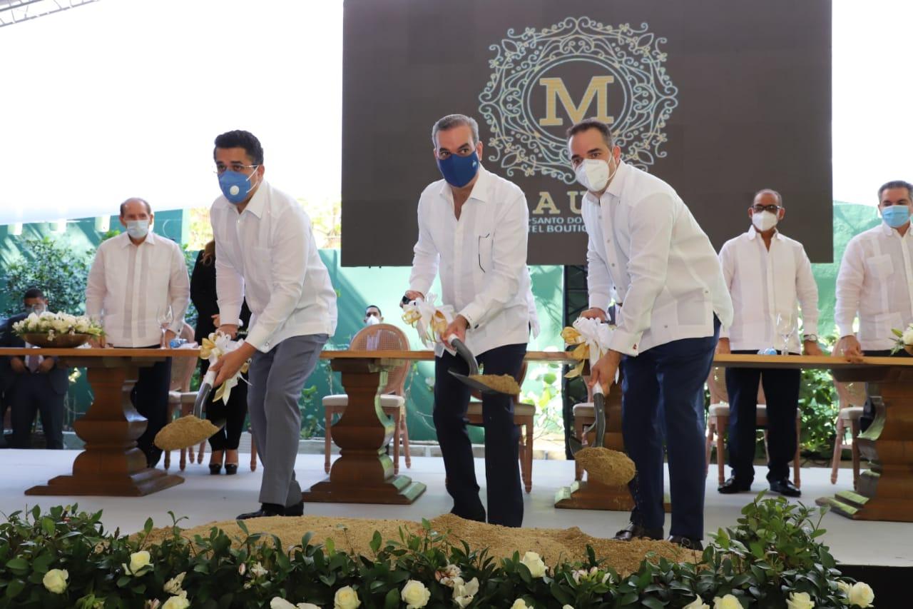 Presidente Abinader da primer palazo para construcción del Hotel Mauad en Gazcue
