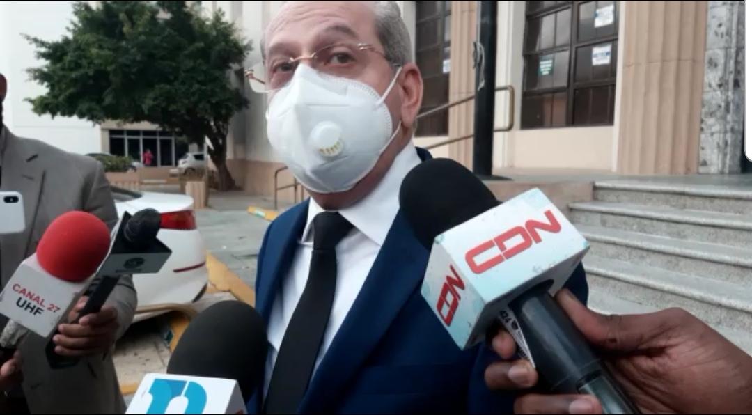 Video | Abogado de Rafael Germosén acude al Palacio de Justicia a buscar expediente de su cliente