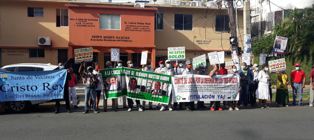 VIDEO | Manifestantes exigen justicia por venta irregular de terrenos en Los Tres Brazos