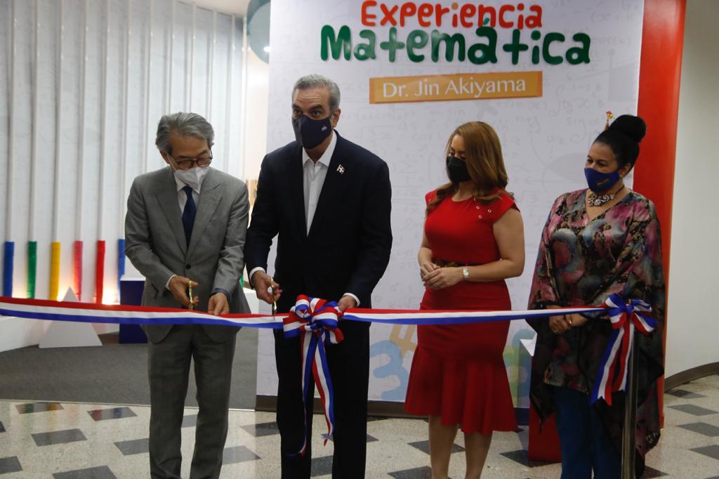 """Presidente Abinader inaugura """"Sala de la experiencia matemática Doctor Jin Akiyama"""""""