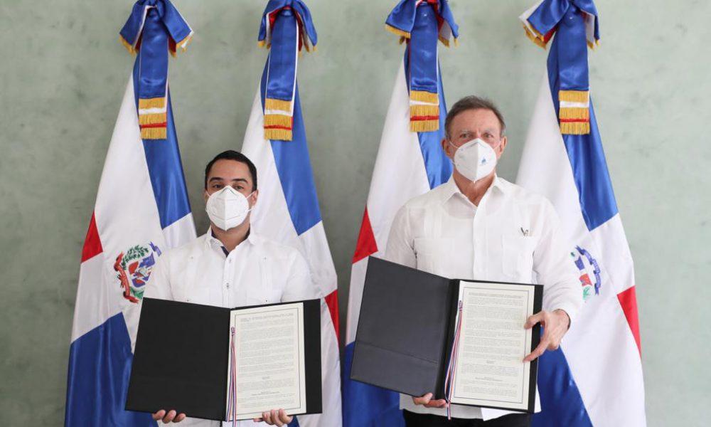 VIDEO | MIREX y BANDEX suscriben acuerdo en apoyo al sector exportador dominicano