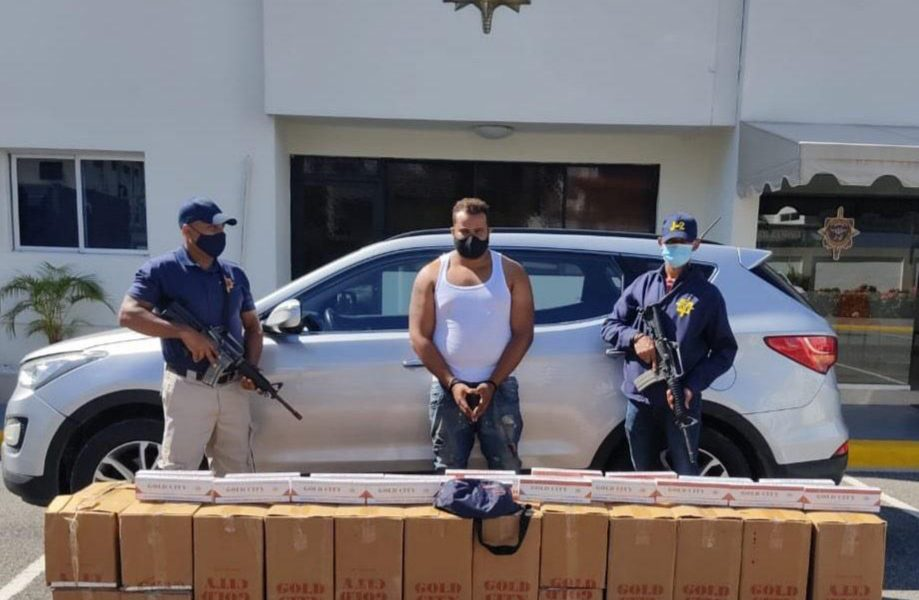 Decomisan contrabando de 120,000 unidades de cigarrillos en Villa Consuelo