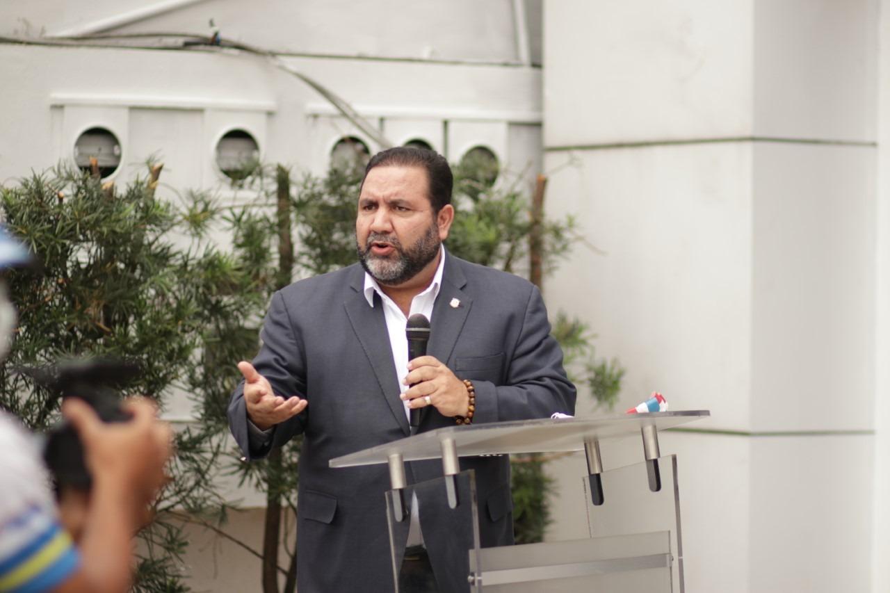Senador Ramón Rogelio Genao inaugura Oficina Senatorial de La Vega
