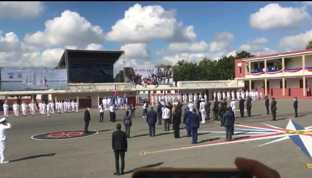 Presidente Abinader encabeza acto de graduación de 27 guardiamarinas