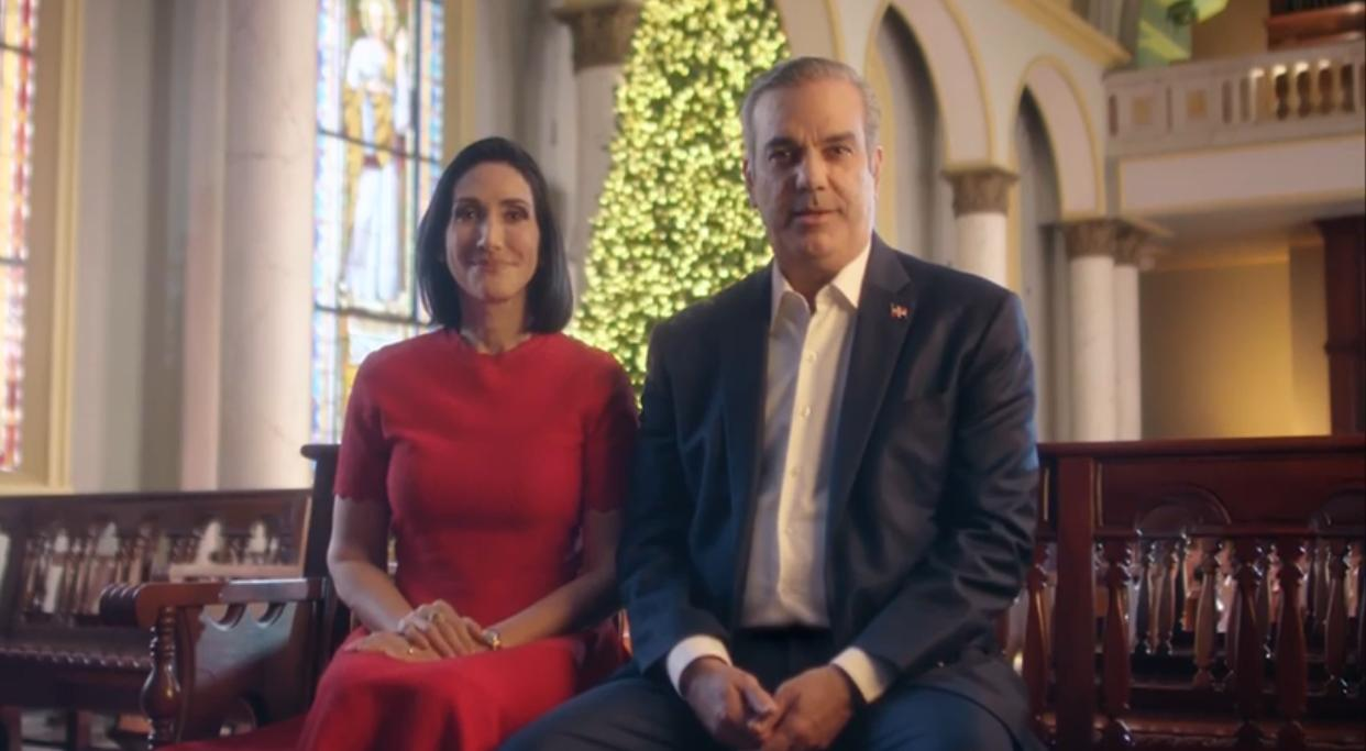 Video | Presidente y primera dama exhortan dejar atrás  pensamientos pesimistas y disfrutar con la familia durante navidad