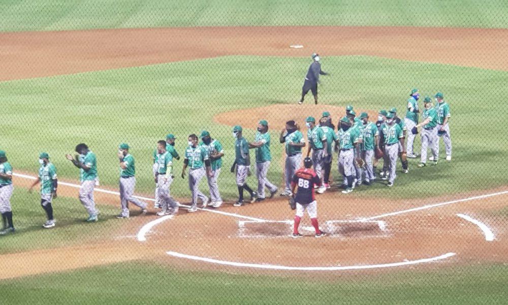Video | Estrellas Orientales derrotan a los Leones del Escogido y clasifican a la Semifinal