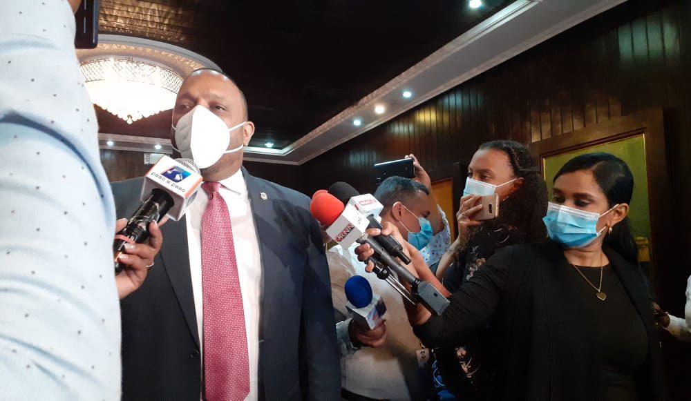 VIDEO | Por Abinader decir que el Covid-19 estaba controlado el país se descuidó, dice  oposición