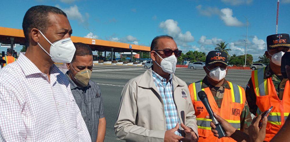 Ministro de Obras Públicas pide a conductores transitar con precaución