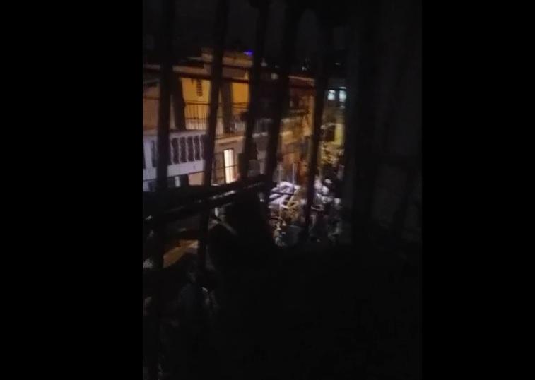 VIDEO | Nadie detiene fiesta nocturna en barrio Enriquillo