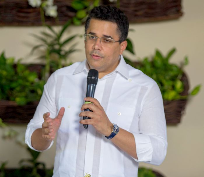 David Collado encabeza reunión del Gabinete de Turismo para pasar balance del sector