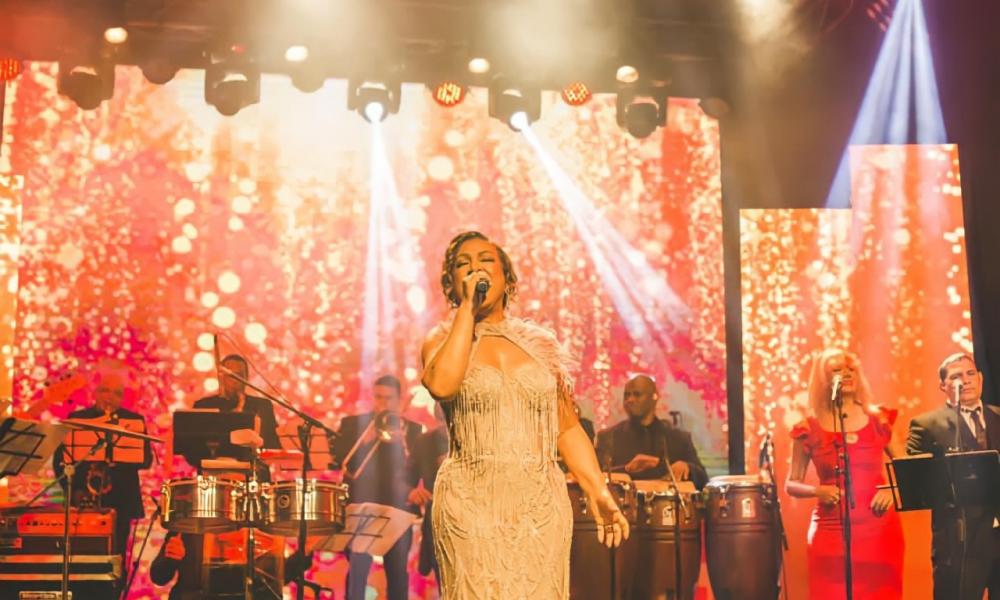 Milly Quezada deslumbra con su concierto virtual