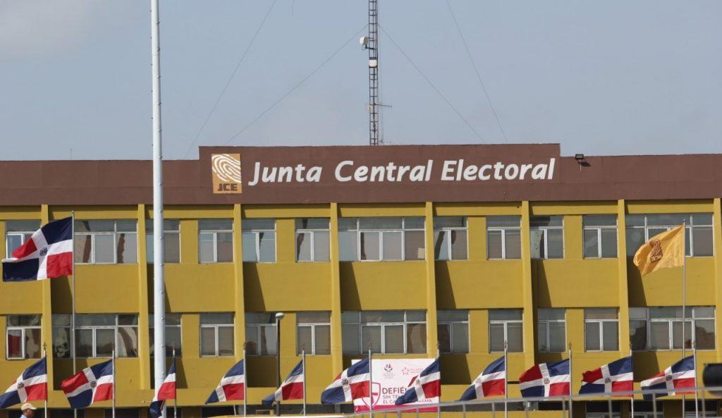 JCE pide a partidos opinión en boletas y distribución de sus recursos económicos hasta el 15 de enero
