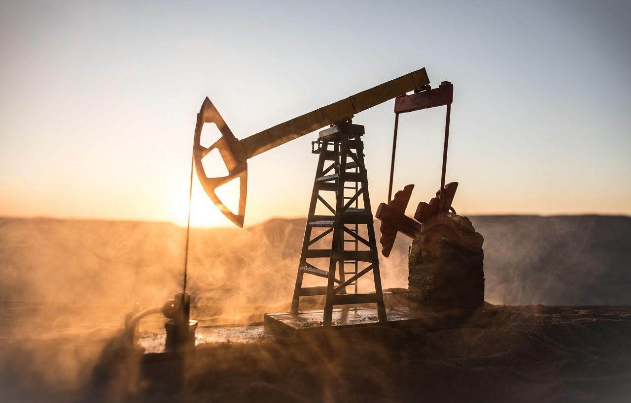 El petróleo cierra con alza por encima de los 47 dólares el barril
