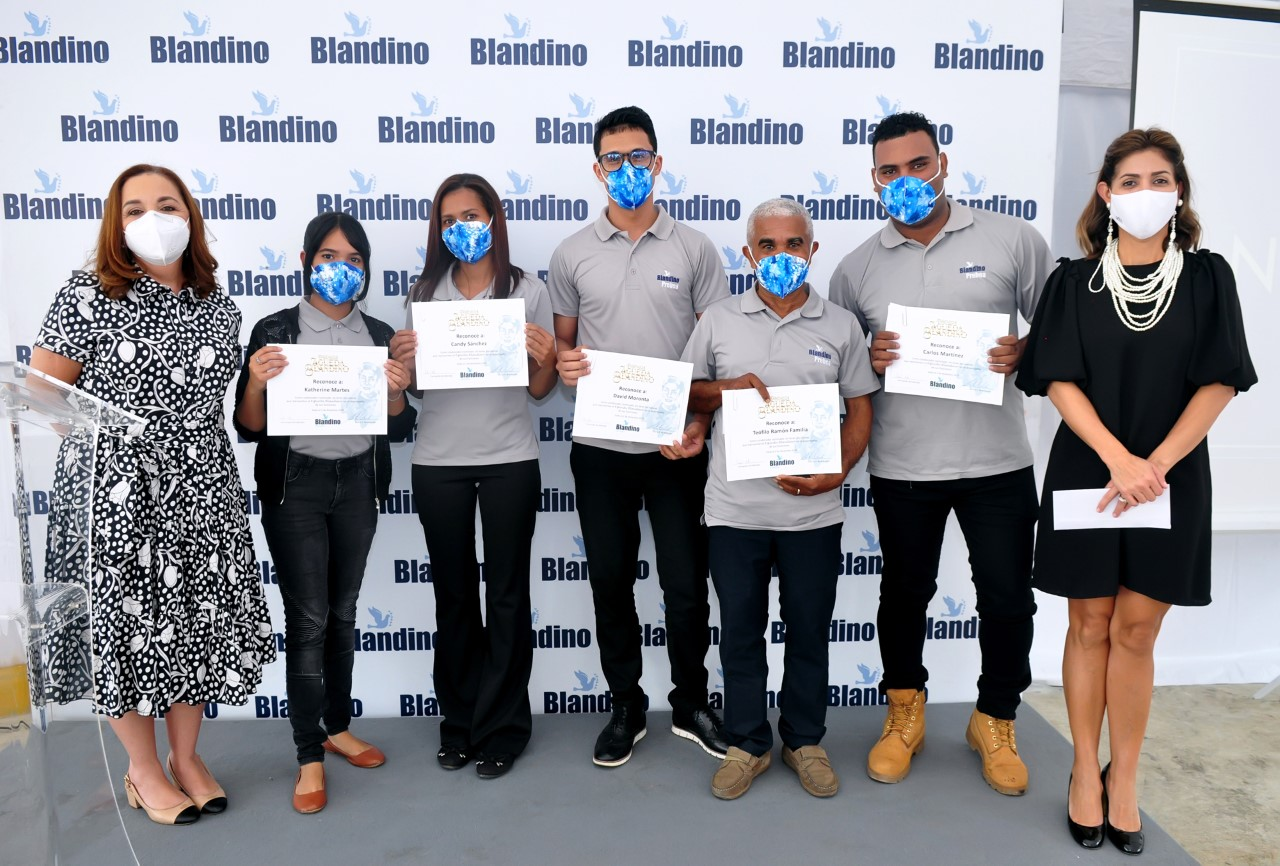 Grupo Blandino otorga Premios Águeda Blandino a empleados