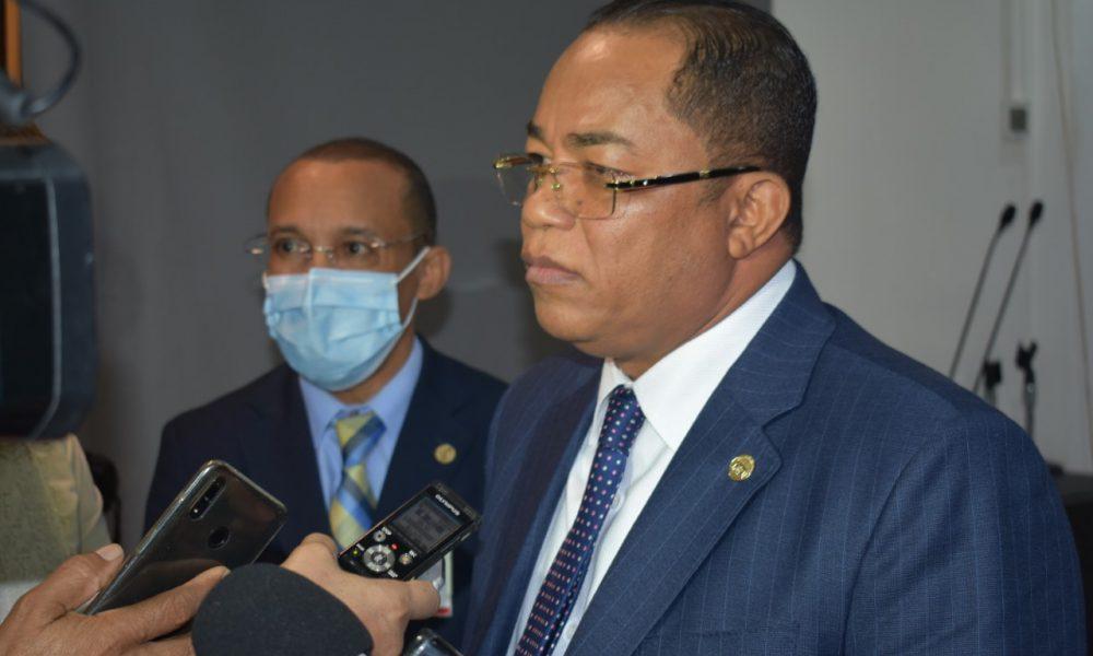 Gobierno desembolsa 579.87 millones de pesos a los ayuntamientos para pago de regalía pascual