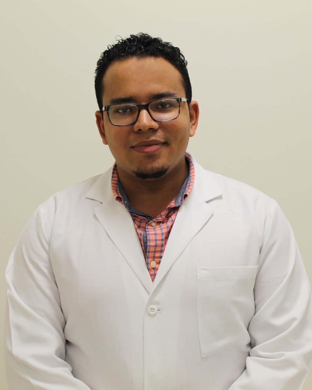 Médico dominicano gana concurso para realizar subespecialidad en hospital de New York