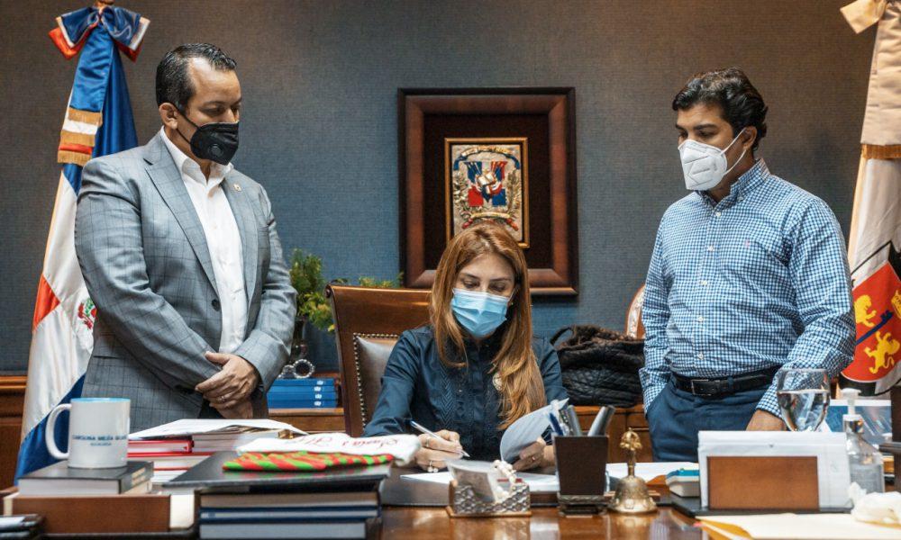 ADN y URBE firman acuerdo de cooperación con el proyecto Nuevo Domingo Savio