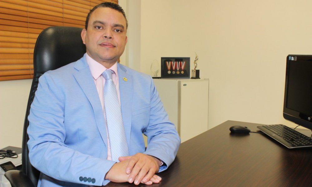 Director Ney Arias Lora revela, cama en UCI por accidente de tránsito oscila entre RD$300 y 700 mil el día