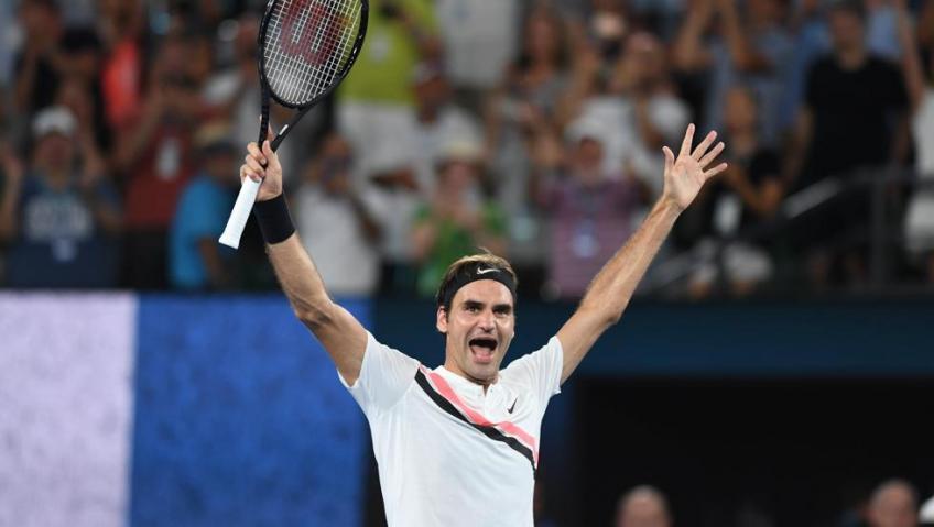 Federer podría darse de baja en Abierto de Australia y no descarta la retirada