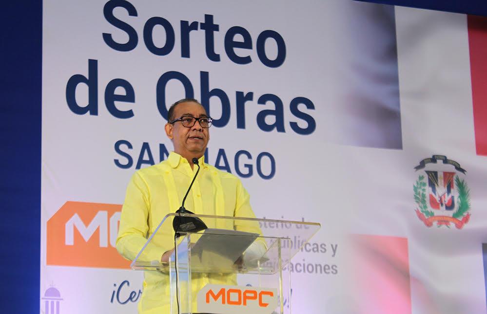 MOPC anuncia construcción circunvalación Navarrete y refiere avance trabajos en carretera turística y autopista Duarte