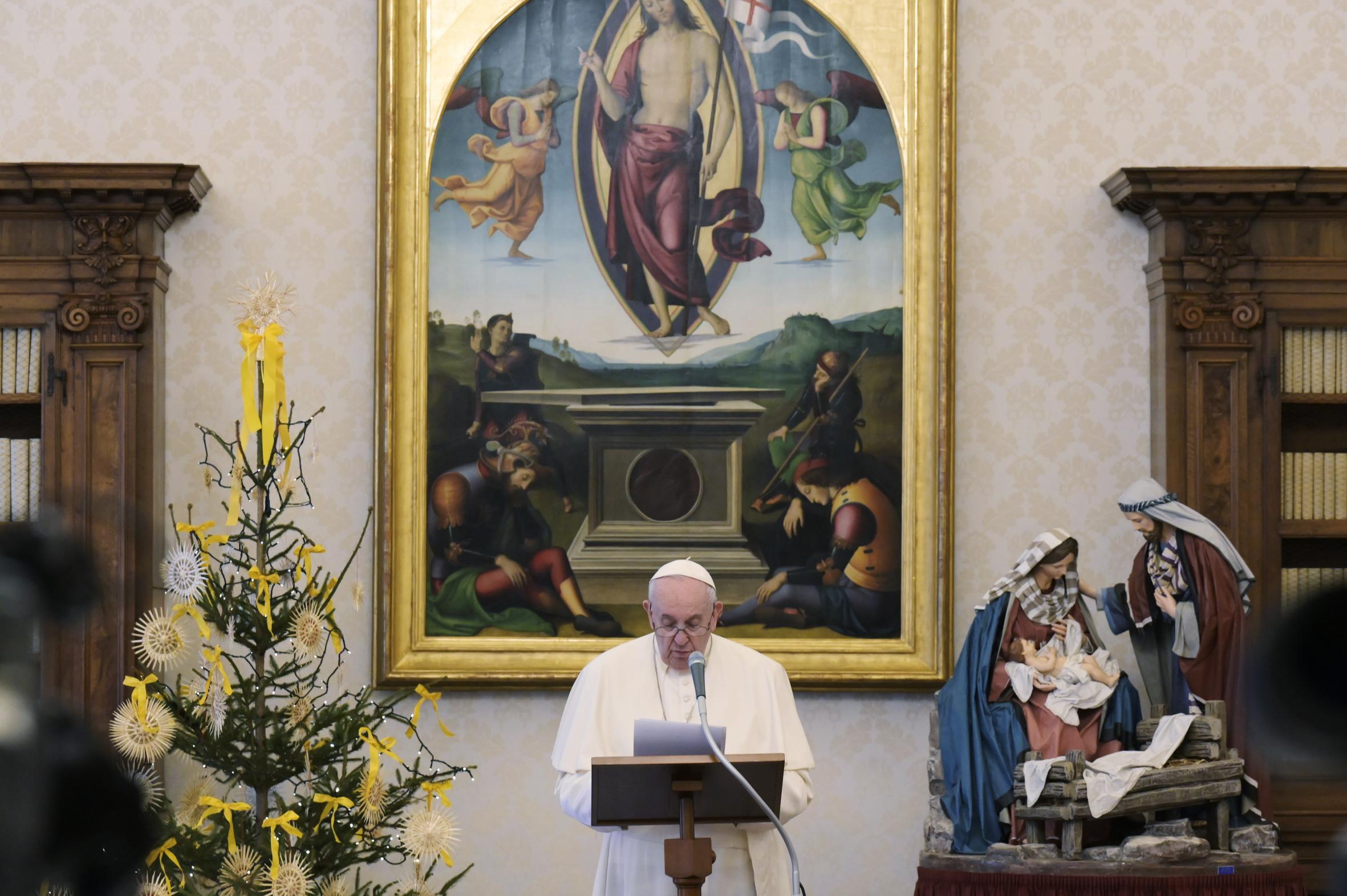 Primera aparición del papa tras ausentarse debido a una ciática