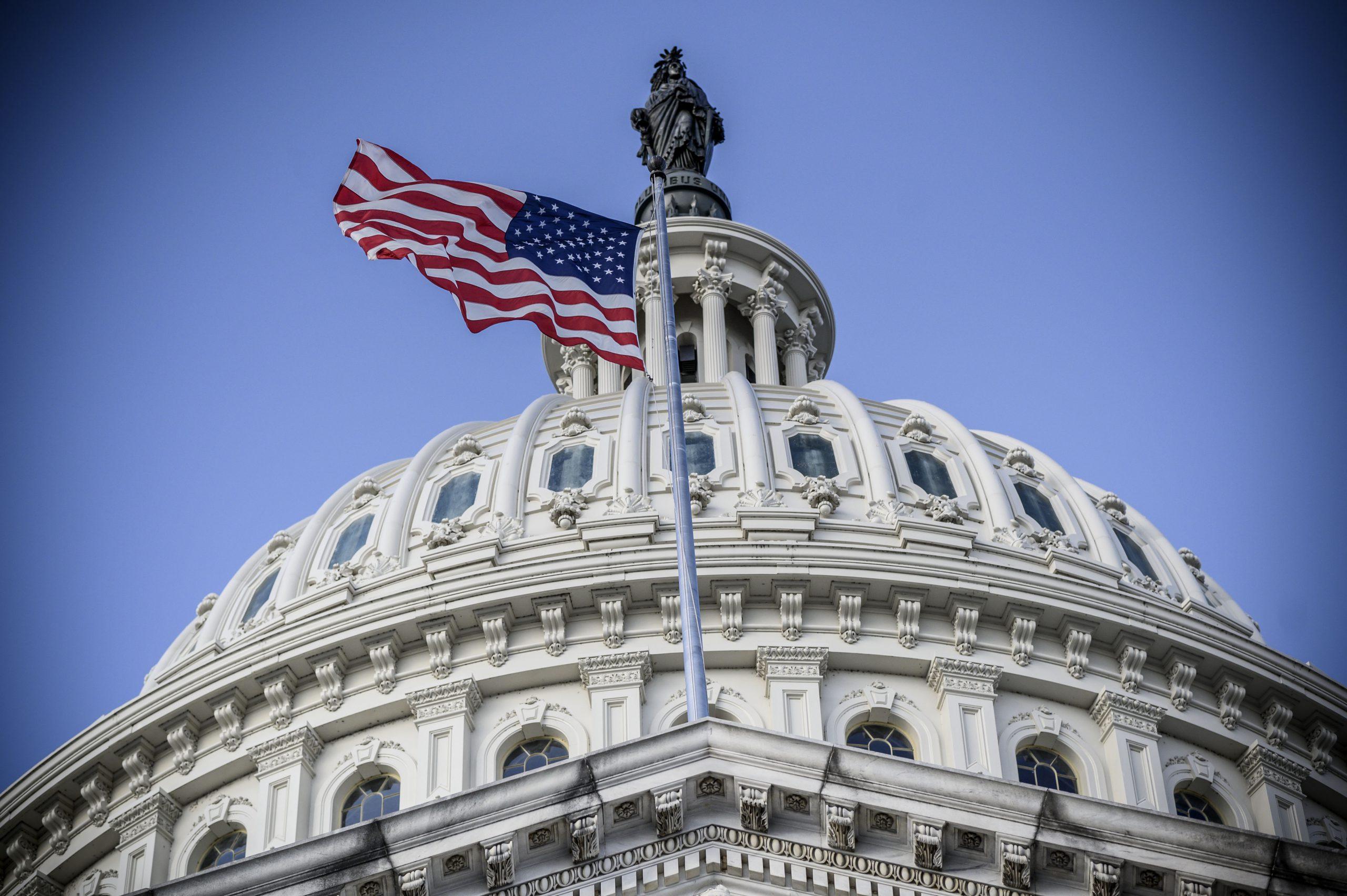 El Congreso de EE.UU. elimina veto de Trump a presupuesto de Defensa