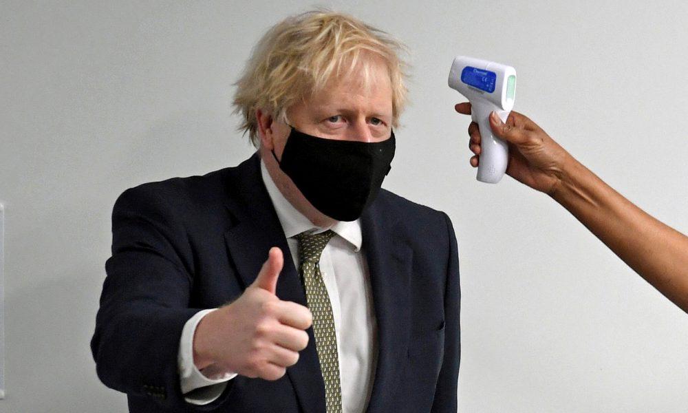 """Primer ministro británico presentará """"más medidas"""" contra la pandemia este lunes"""