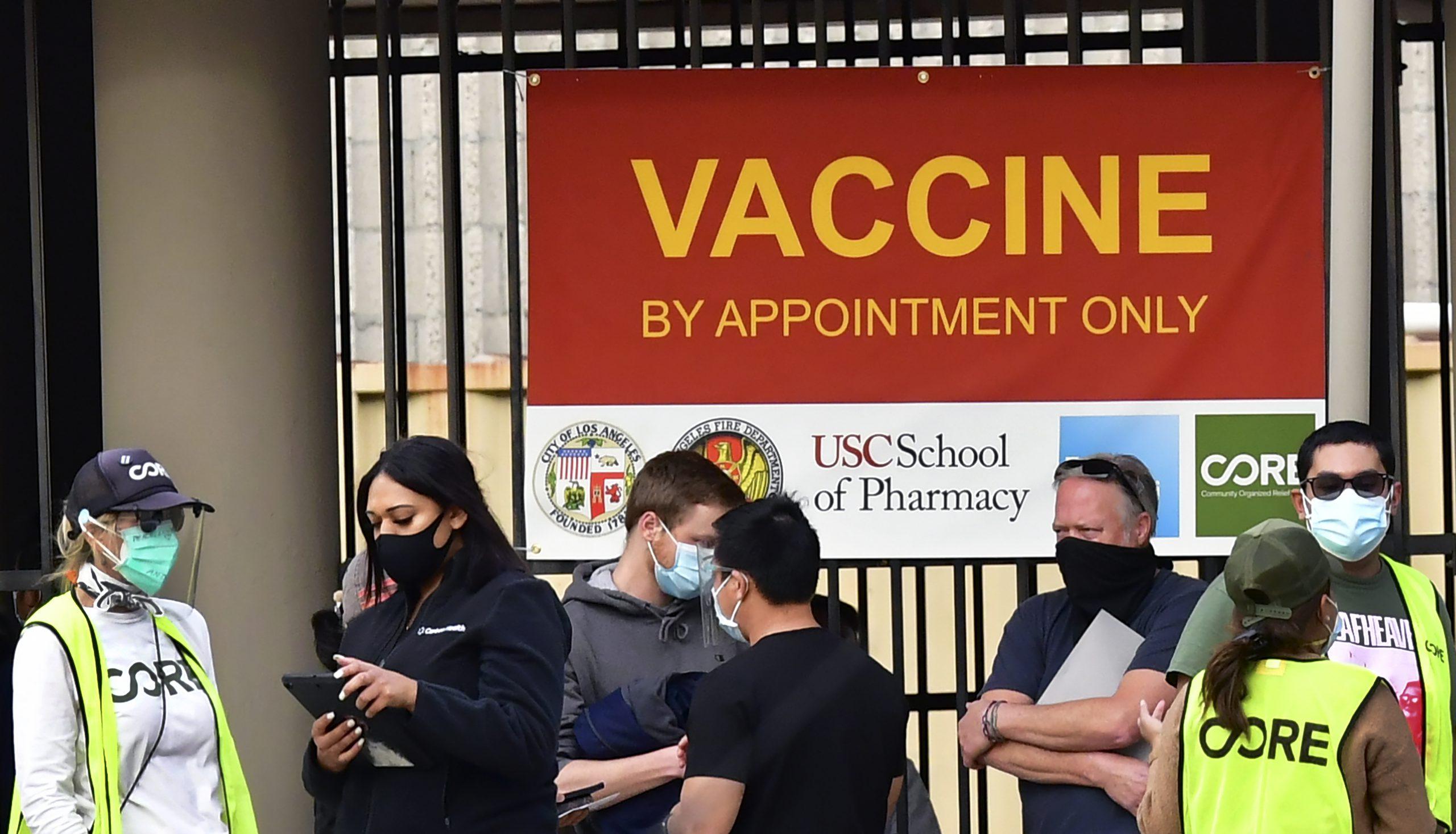 Demasiadas muertes: un hospital de Los Ángeles en medio de la tormenta del covid