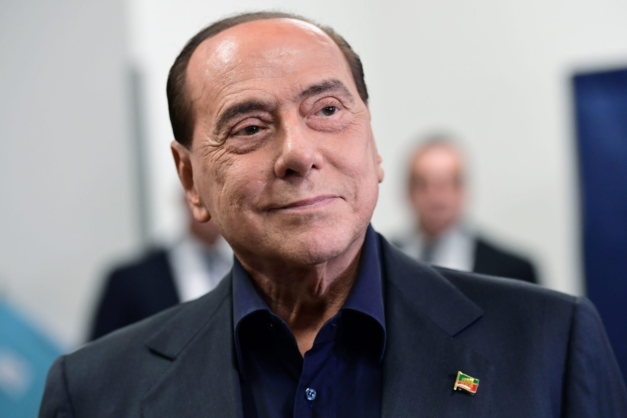 Ex primer ministro italiano Berlusconi hospitalizado por problemas cardíacos