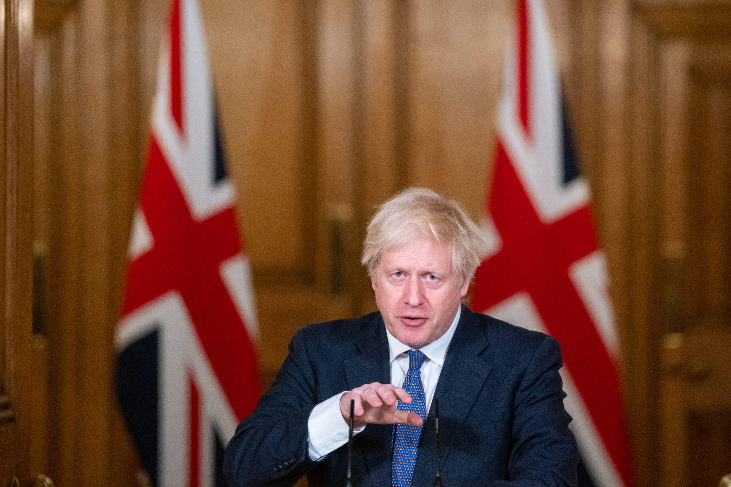 El Reino Unido impone tests y cuarentenas a todos los países del mundo