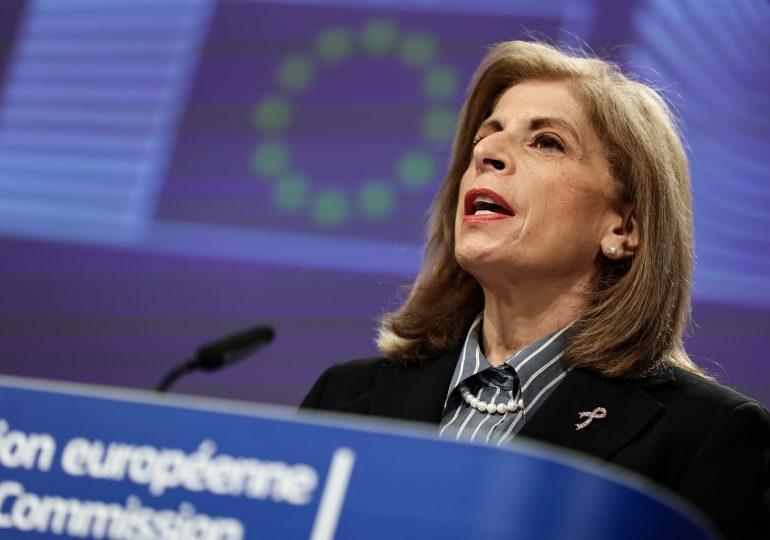 Retrasos en entregas de vacunas ponen en tensión a Europa