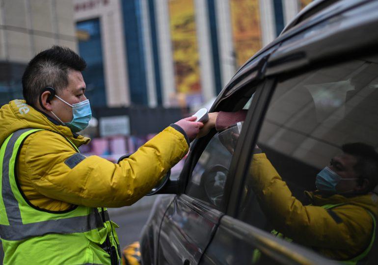 Un año después del confinamiento en Wuhan la pandemia arrecia