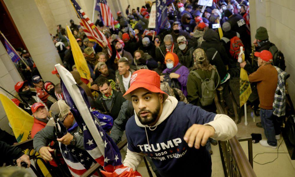 Toque de queda en Washington desde las 6:00 pm en medio del caos de protesta electoral